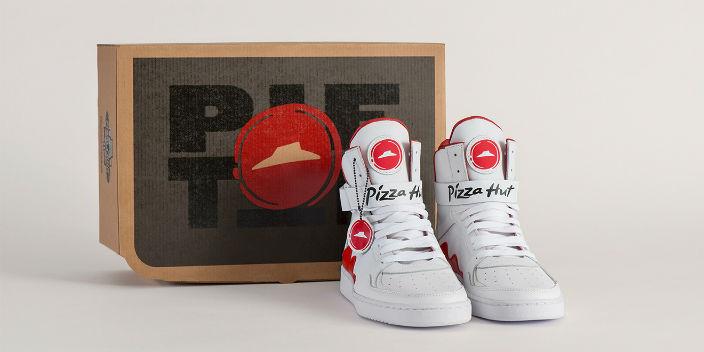 Pizza Hut diseña unas zapatillas con las que se puede ordenar pizza